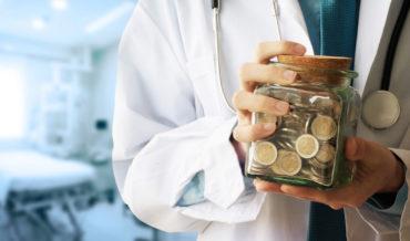Еще раз о том какие медицинские работники имеют право на получение стимулирующих выплат за работу с COVID-19