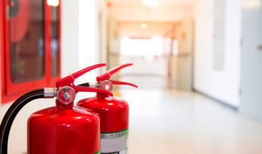 Обеспечение медицинских организаций первичными средствами пожаротушения