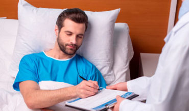 Информированное добровольное согласие на медицинское вмешательство: особенности составления
